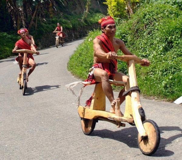 Low-tech Vespas build by Philippines villagers (image via @fidelluvssusie)